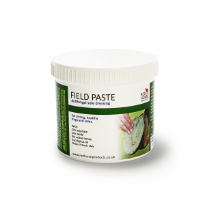Red horse field paste